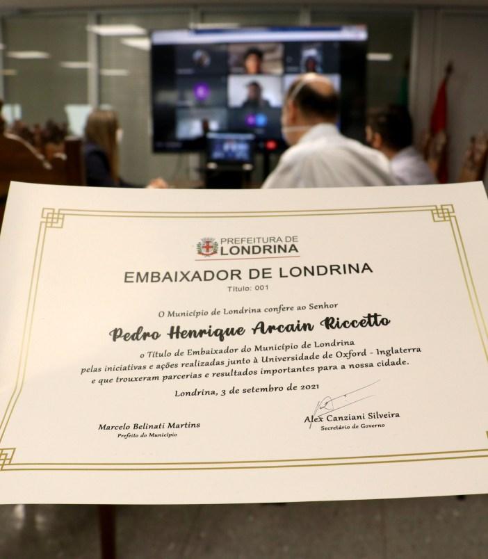 03 09 Estudantes Oxford apresentam resultados a Londrina Emerson Dias NCom 10 1
