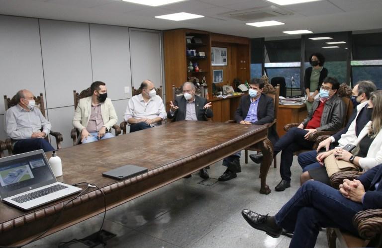 gabinete com presidente FIEP Parana Emerson Dias NCom P 5